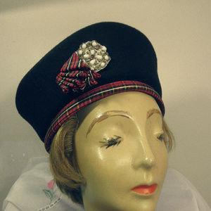 Vintage Elgance Saks Fifth Avenue Bollman Hat